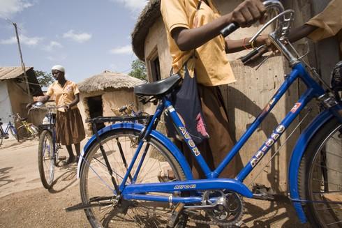 cykel-070930g-olivier-asselin-ghana_hog-jpg_33bc6ef46aefdf96-490