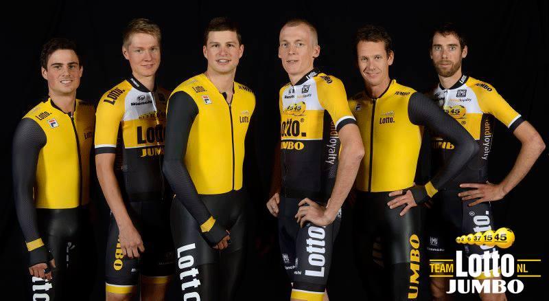 Wilco Kelderman, Robert Gesink och Laurens Ten Dam i nya teamfärger tillsammans med sina snabbskrinnande vänner