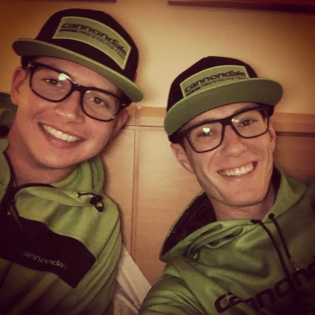 Rolland verkar redan trivas bra i sitt nya stall. Här med tvillingbror från en annan mor, Joe Dombrowski!